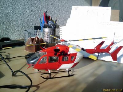 Modelo del EC-145 REGA sin las pegatinas